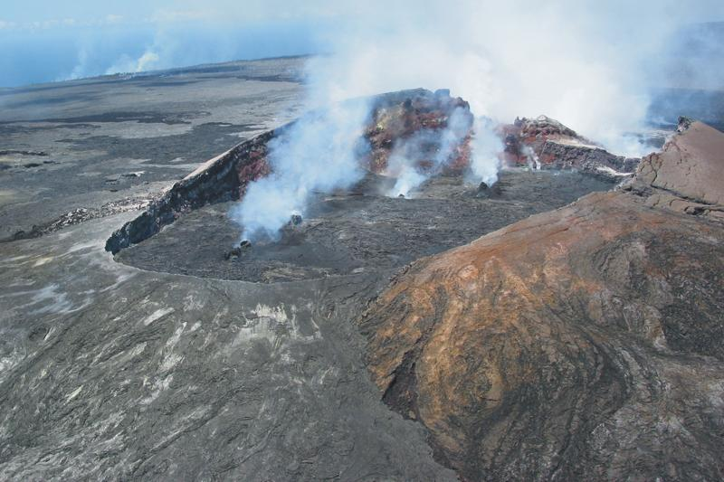 What are some facts about the Kilauea volcano?